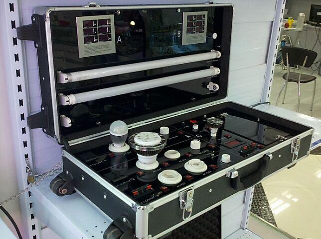 Led demo box, led light demo box, led light test box, portable LED Demo Case, LED Test Box, lamp demo box, lamp test box, led lamp demo box, draggable led ...